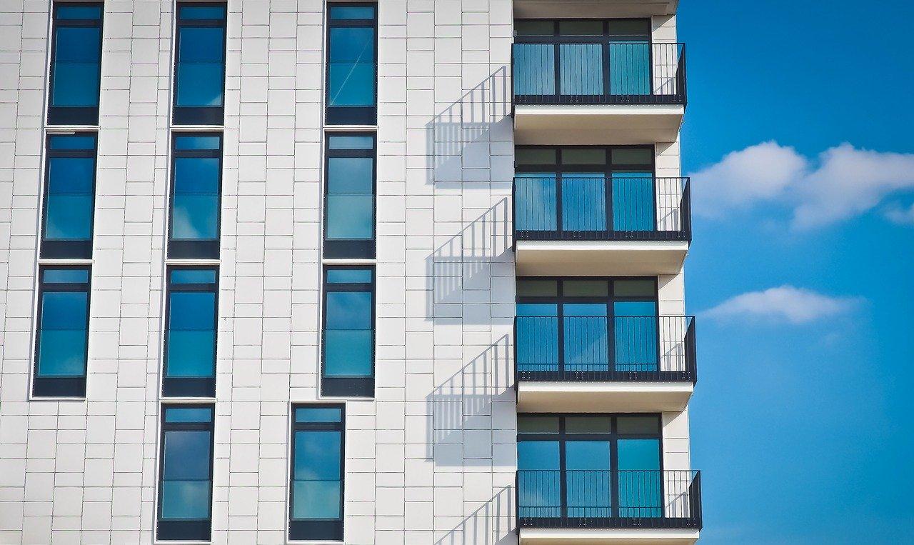 Chercher un appartement en ligne.